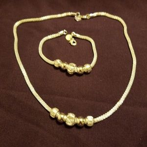 Jewelry - Neclace and Braclet Set